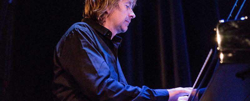 Jan Lundgren spelar piano Foto Harri Paavolainen
