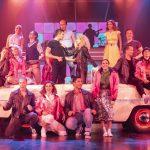 Grease - Höstens flotta musikal på Nöjesteatern. Foto: Cesare Rigetti